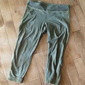 Lululemon refine crop fatigue green knit 10